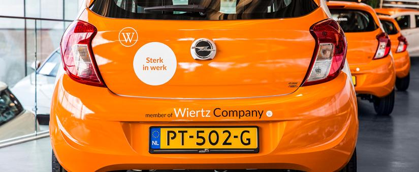 Flexkrachten van Wiertz Personeelsdiensten met nieuwe Opel Karl naar het werk