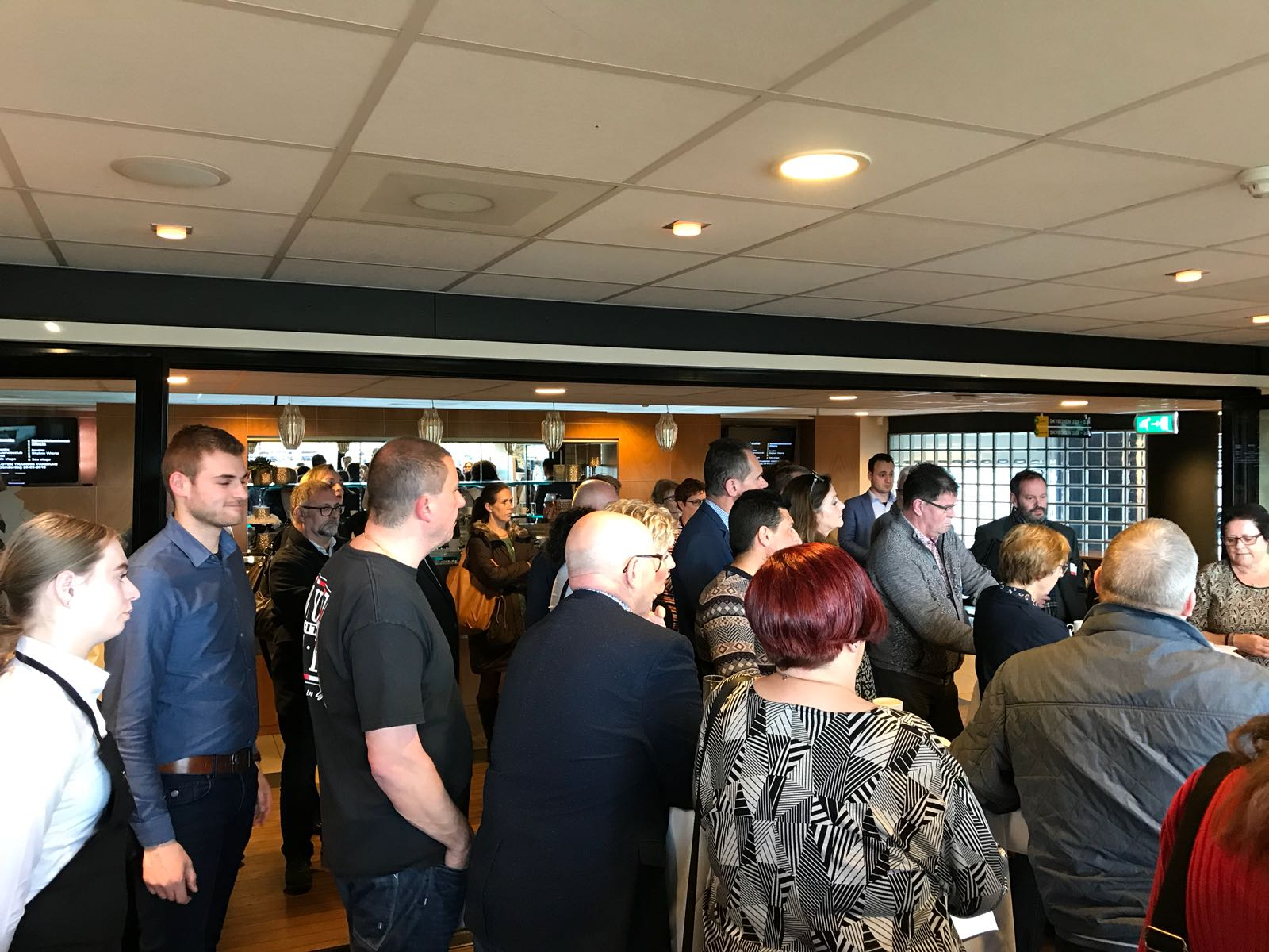 Succesvolle 50+ banenmarkt in het Parkstad Limburg Stadion