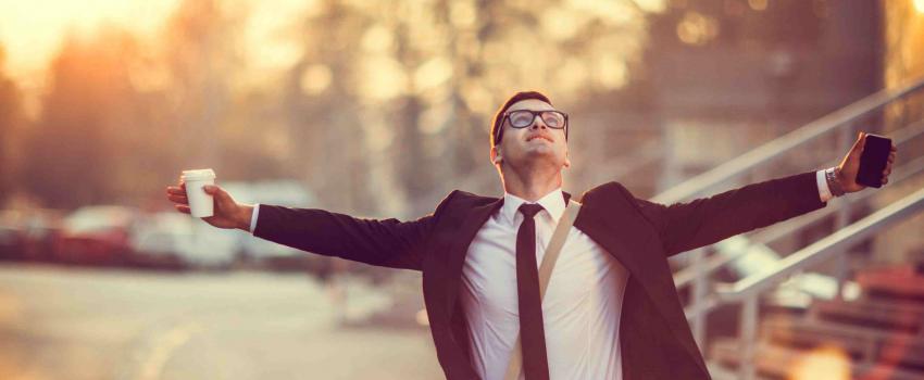 Wat zorgt voor werkgeluk? 5 geluksfactoren