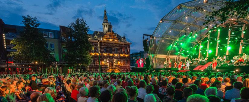 Wiertz Foundation kijkt tevreden terug op Open-Air concert van Guido's Orchestra