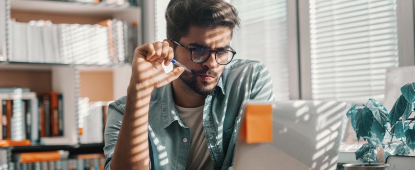 Hoe neemt u iemand aan tijdens digitaal solliciteren? 5 tips